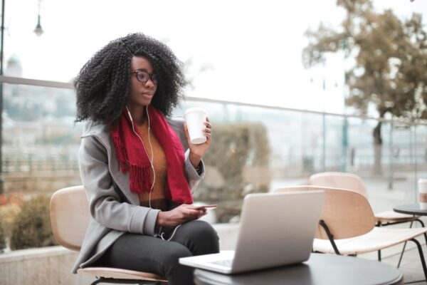 A lady thinking on what not to do in Freelancing